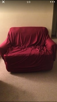 Free love seat that reclines Holly Springs, 27540