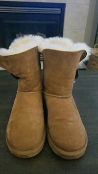 UGGS BAILEY BUTTON STYLE BOOTS