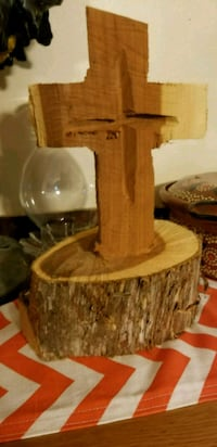 Hand carved wooden cross Lincolnton, 30817