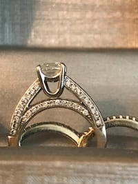 1 1/4 cart diamond ring 14k gold .99 cart diamond each band