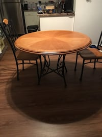 Dining Table with two chairs Willowbrook, 60527