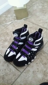 Nike shoes Evansville, 47714