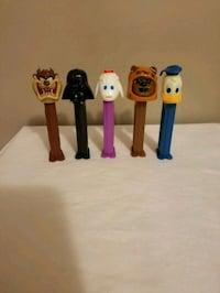 Vintage pez Dispenser set of 5 Firm Price Omaha, 68132