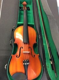 """""""The Mentor"""" Violin - comes with case and bow  Mississauga, L5J 1J7"""