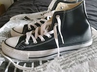 unpaired black and white high-top sneaker Brampton, L6Y 0K1