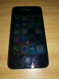 Apple Iphone 4s UNLOCKED with charger Montreal, H2J