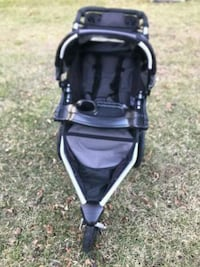 Bob Single Jogging Stroller with handlebar console and pump
