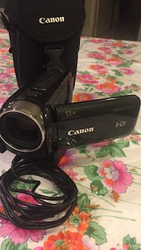 Black canon camcorder with cord and bag pick up  Vaughan, L4L 6P5