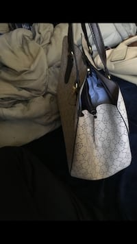 2 Large woman purse deal $30 Triangle, 22172