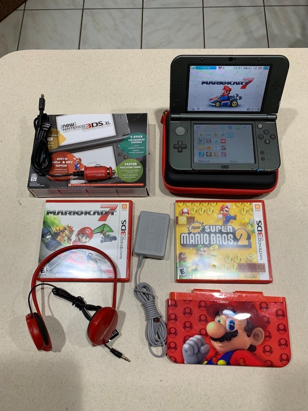Nintendo 3DS XL Black PRICE FIRM!!! Like New Condition