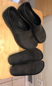 Birkenstock kitchen clogs