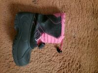 Snow boots for toddler girl size 10
