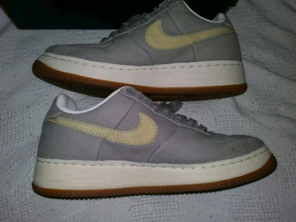 wholesale dealer 675a1 8aa05 Air Force 1 Supreme Nike low top