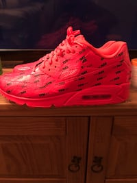 Limited edition neon red AirMax 95s Nike size 12 District Heights, 20747