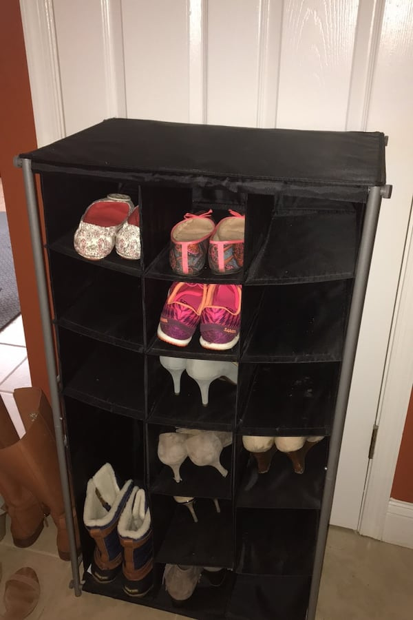 Shoe rack - hold 16 pairs 0