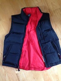 Boys Size XL GAP down filled vest  Toronto, M8Z 3Z7
