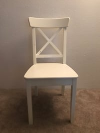 Wood chair - white  Federal Way, 98003