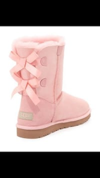 BNIB Authentic Bailey Bow Toddler UGGS..Size 7 Surrey, V3S 6K5