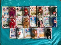Lot of 11 - NEW TEENIE BEANIE'S Complete set New in box $10 total  Mentor, 44060