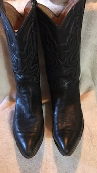 Solid leather made Dingo boots  Shepherdsville, 40165