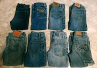8 pairs of 4T jeans Name Brand 600 mi