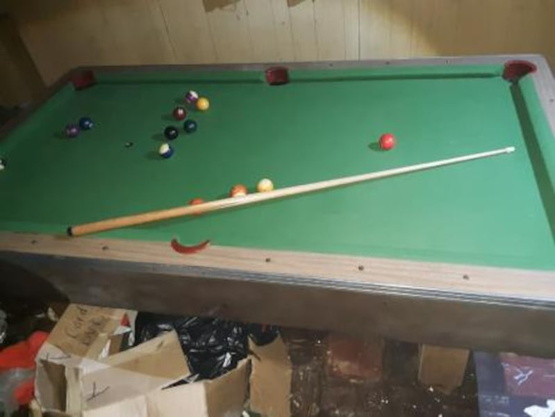 Antique pool table slightly used 1000$ or best offer Custom Craft 1c8fad7b-2367-4fd9-85da-ba95d50dba37