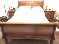 Queen Bed with 2 Side Tables and 2 lamps Mississauga, L5V 2A6