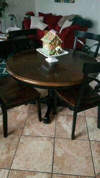 Dining table set with 4 chairs  65 km