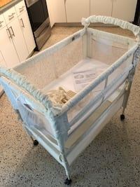 Arm's Reach Co-Sleeper Bassinet Saint Petersburg, 33712