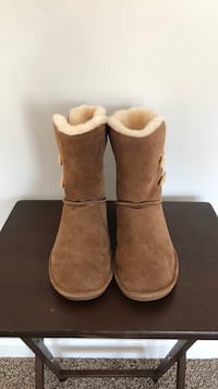Bearpaw boots size11