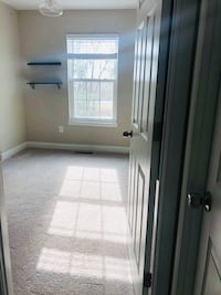 Private ROOM For rent Frederick