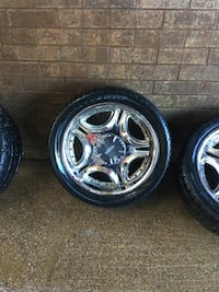 22 inch rims 6 lugs off a tahoe needs tires Suitland, 20762