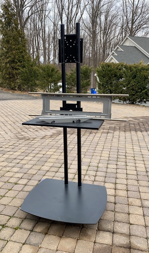 Tv mounting stand black  d7935119-448f-4825-a959-c2936e17307f