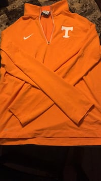 Vols Nike pull over (Medium-Large) Knoxville, 37909