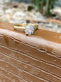 10K Gold Solitaire Engagement Ring 1 CT Diamond