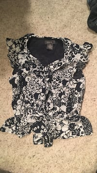 Navy blue and white floral blouse  Portland, 97213