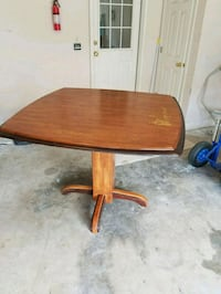 Dining Room Table Bonaire, 31005