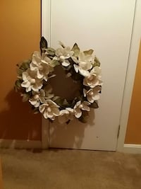 New white wreath