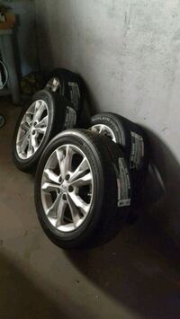 gray 5-spoke Alloy Car Wheel With New Tires set  Chicago, 60639