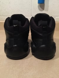 Men's Size 10.5 Nike The Overpaly Basketball Shoes