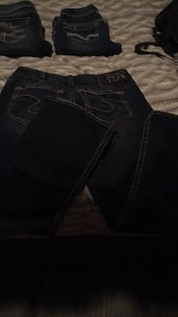 blue Levi's denim bottoms Windsor, N9A 2J3