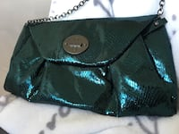 Nine West metallic clutch Coquitlam, V3B 2P7