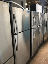 New Frigidaire 30in top and bottom refrigerator 6 months warranty