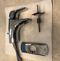 Moen Chrome One Handle Bathroom Faucet in a Brand Like new Condition Mississauga