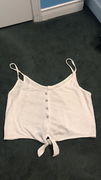 Medium buttoned white crop top Mississauga, L5M 7G4