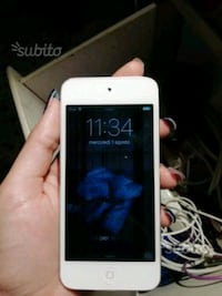 IPod touch Apple  7698 km