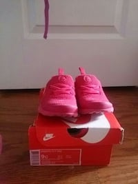 Nike shoes for toddler girl size 9 Bryans Road, 20616