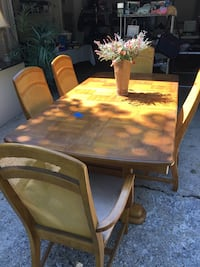 Dining Room Table w 5 Chairs & leaf ...