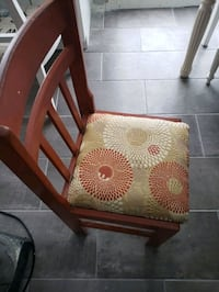 Table & 4 chairs Longueuil, J3Y 6G2
