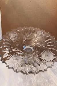 Serving Plater   Crystal     hand carved flowers  Toronto, M8Y 1N6